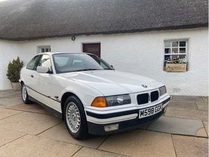 Time warp retro BMW 1.6 i E36  Auto,