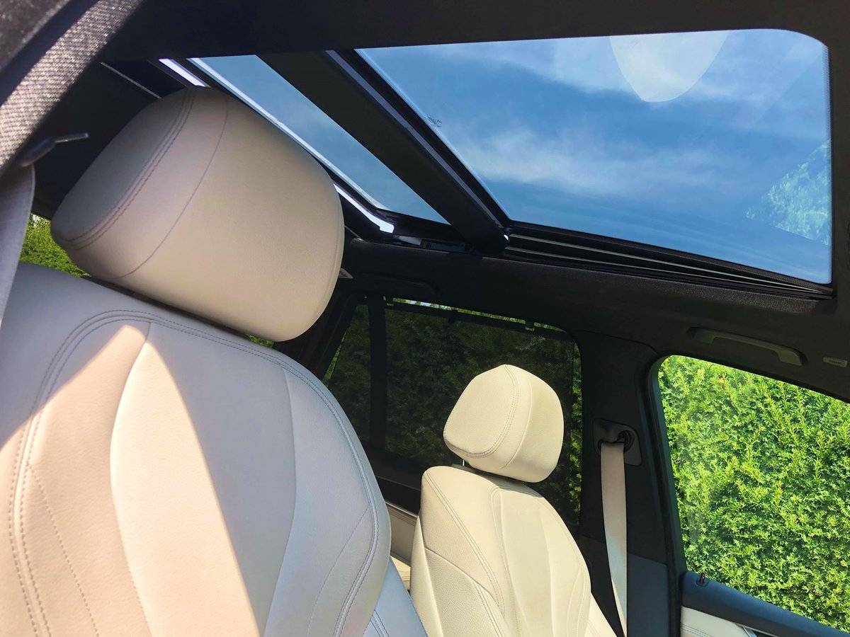 2015 BMW X5 M50d **2 Owners, FBMWSH, Panoramic Roof, 7 Seater** For Sale (picture 4 of 6)
