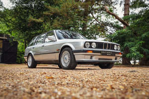 1994 BMW E30 316i LUX TOURING - 32 SERVICE STAMPS