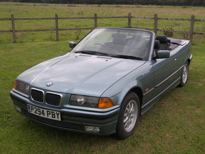 1997 BMW 318i Convertible