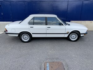 Picture of 1986 Bmw e28 528i