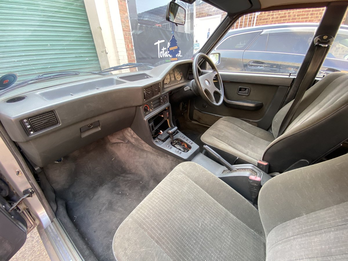1987 BMW E28 525i  - In storage for 14 years For Sale (picture 5 of 6)