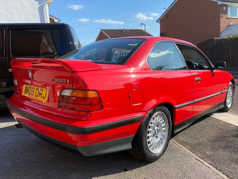 1995 BMW 316i Automatic Coupe E36 - 42,000 Miles For Sale (picture 3 of 6)