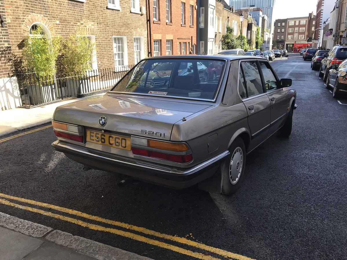 1987 E28 BMW 520i petrol auto For Sale (picture 3 of 6)