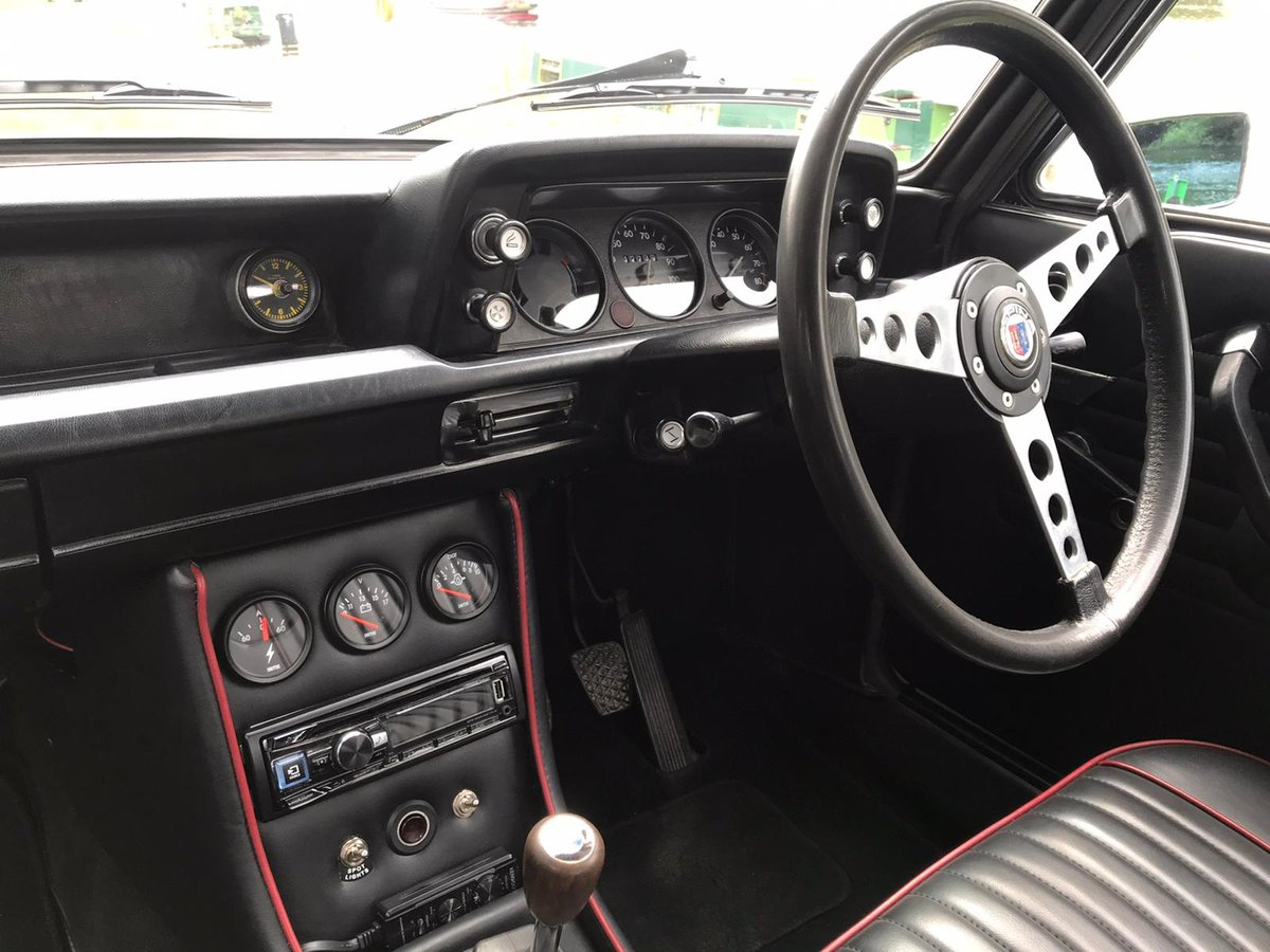 1972 BMW 2002 Coupe fully restored and upgraded For Sale (picture 4 of 6)