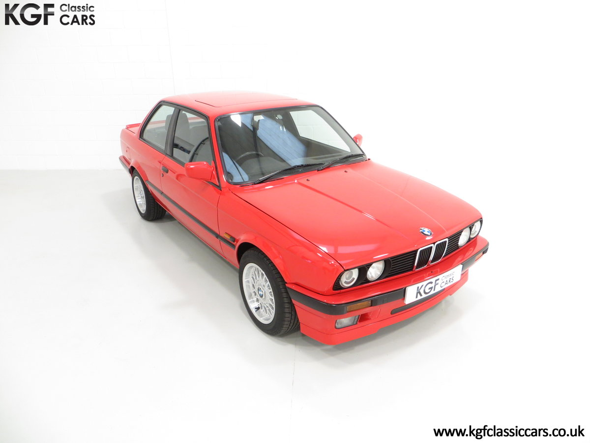 1991 A Collectable and Immaculate BMW E30 318is For Sale (picture 2 of 24)