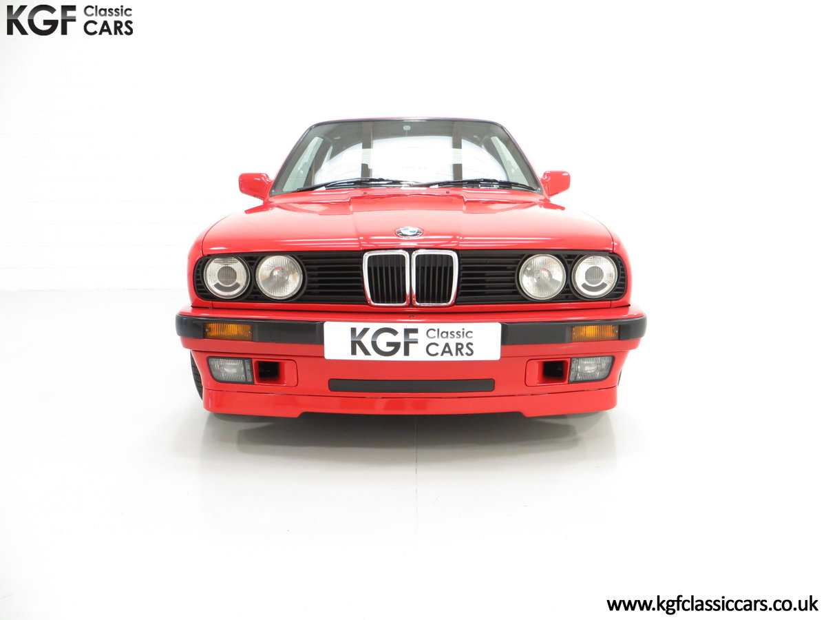 1991 A Collectable and Immaculate BMW E30 318is For Sale (picture 3 of 24)