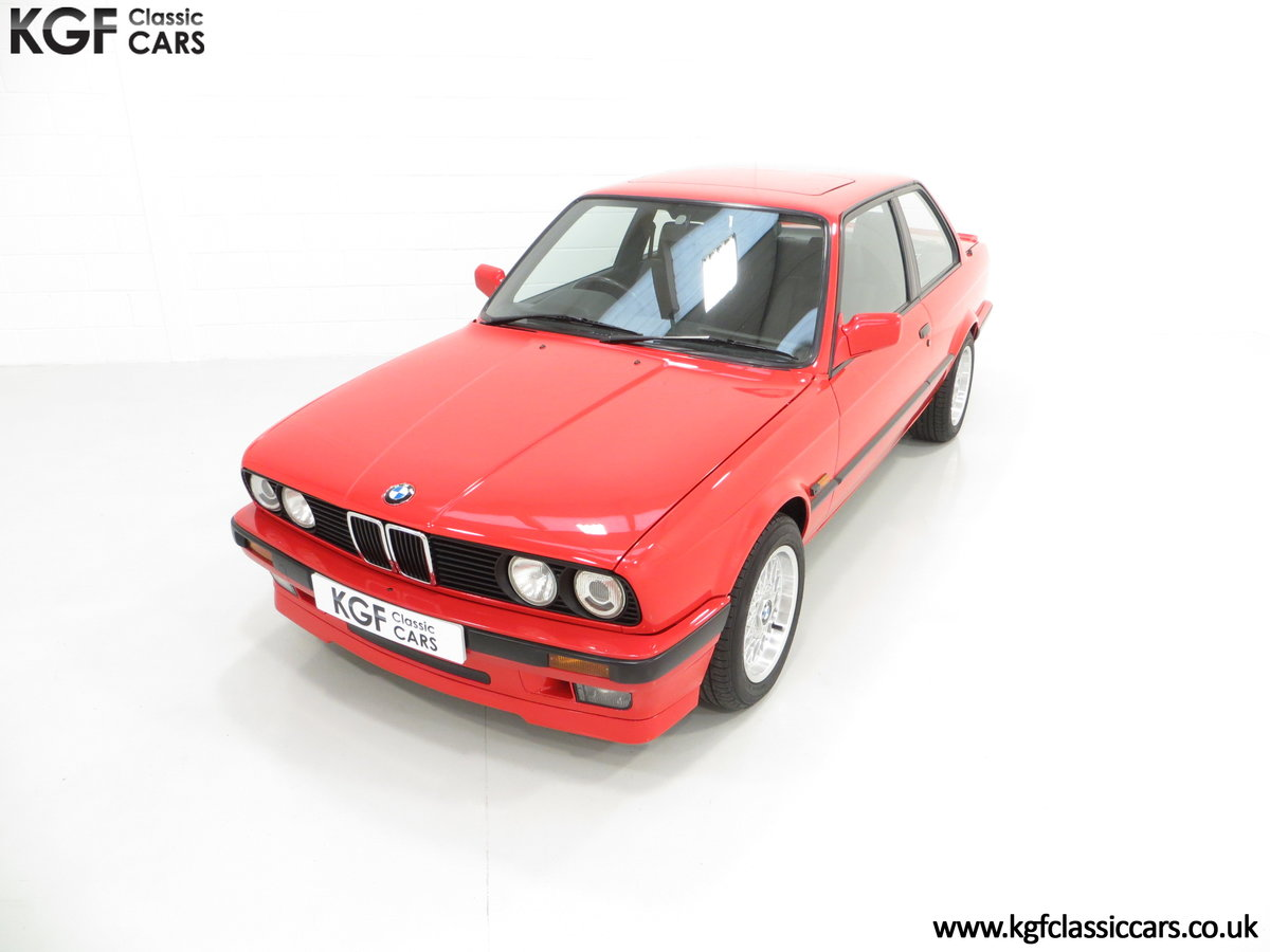 1991 A Collectable and Immaculate BMW E30 318is For Sale (picture 5 of 24)