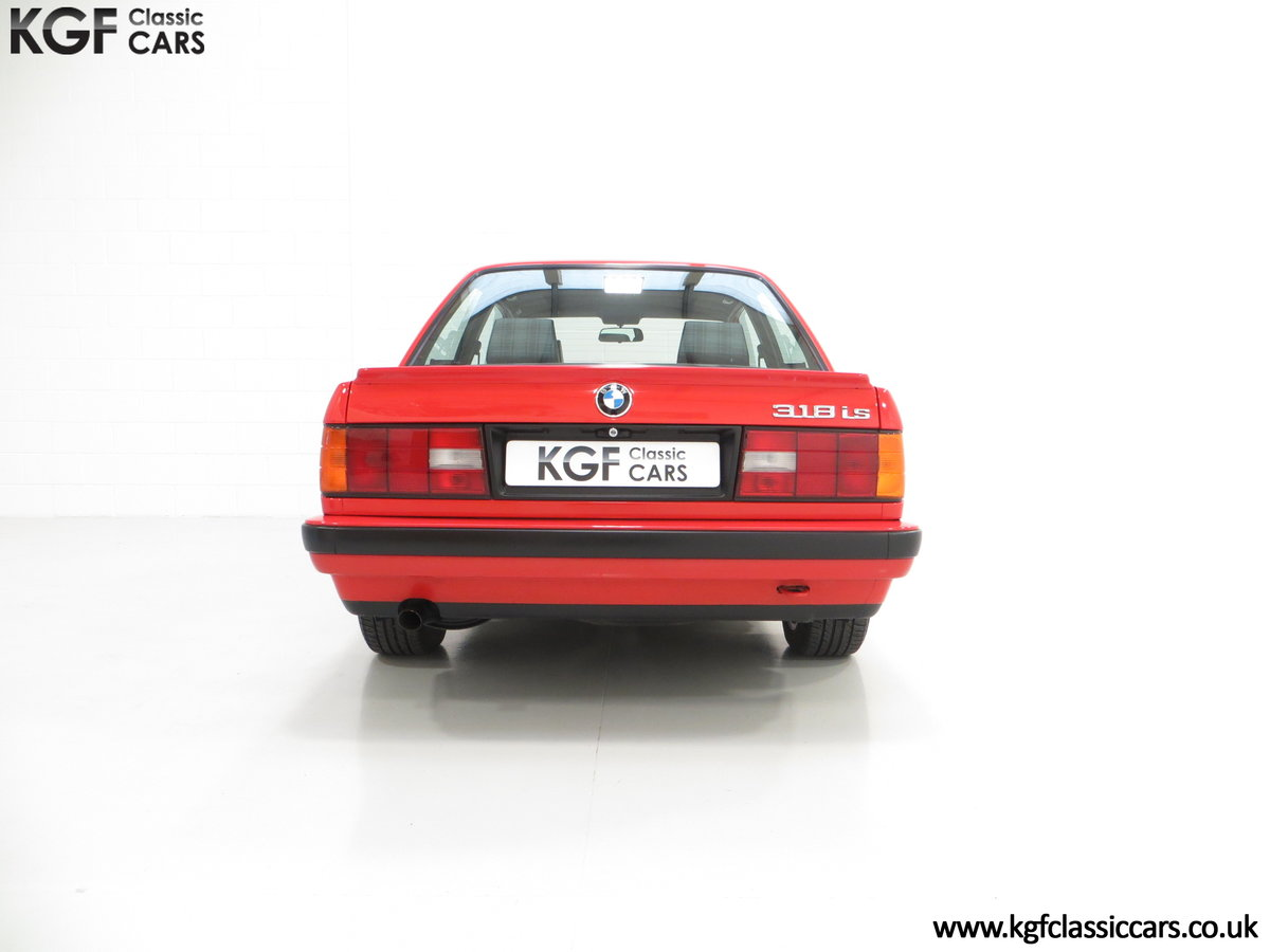 1991 A Collectable and Immaculate BMW E30 318is For Sale (picture 10 of 24)