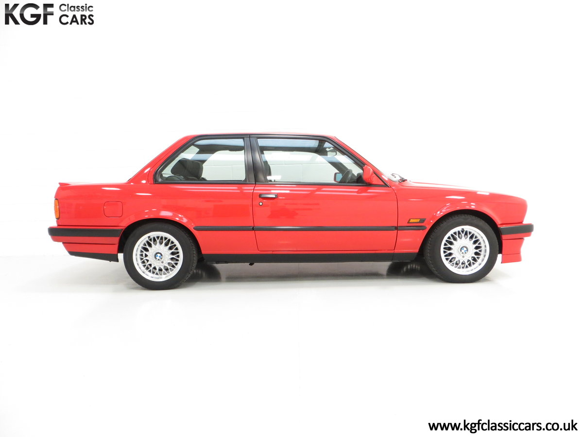 1991 A Collectable and Immaculate BMW E30 318is For Sale (picture 14 of 24)