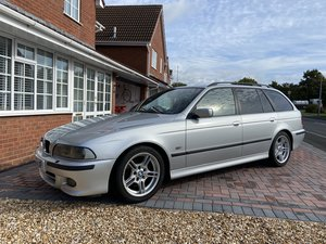 BMW e39 530i touring (manual)