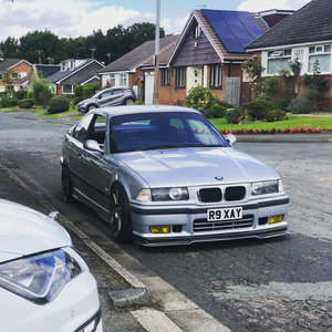 Picture of 1997 BMW E36 318IS *low milage*