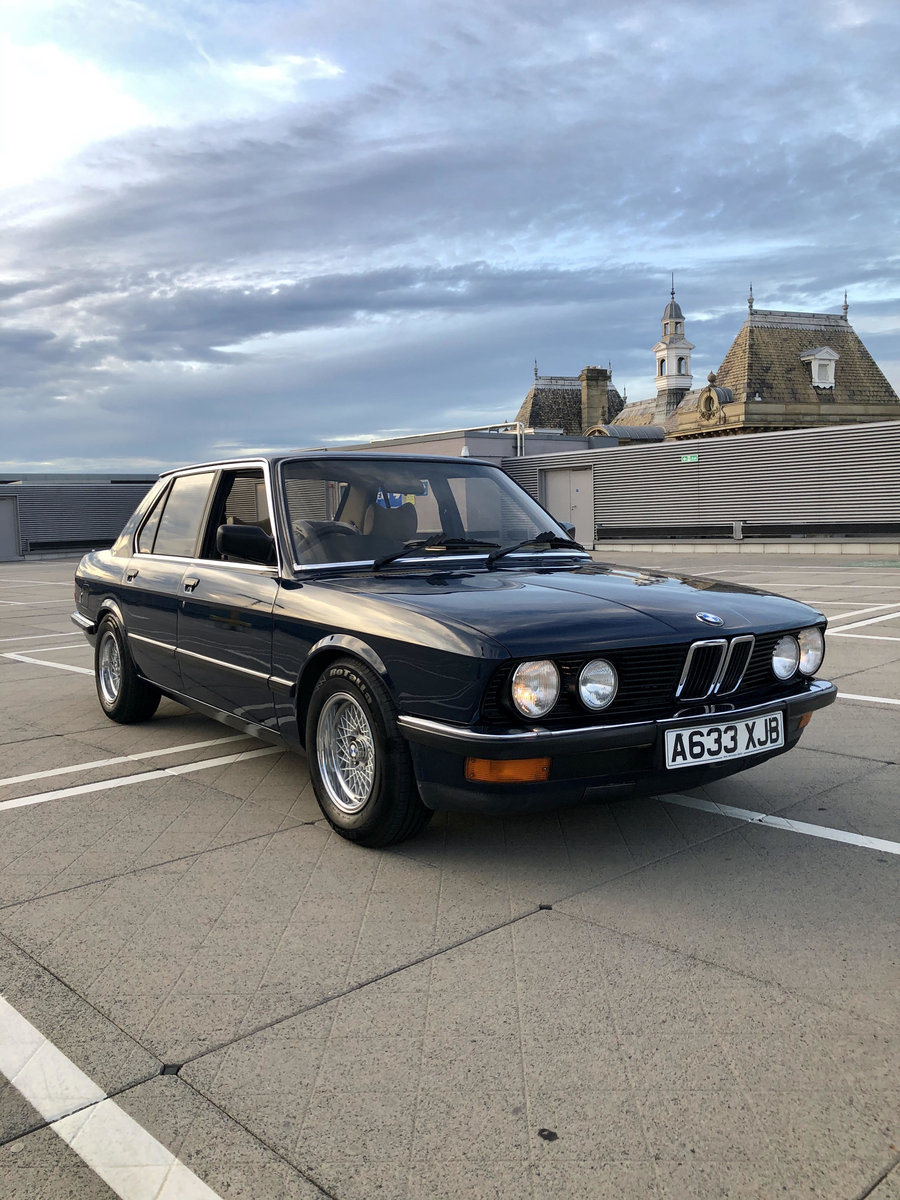 1983 BMW E28 525i manual Lapis Blue. For Sale (picture 1 of 6)