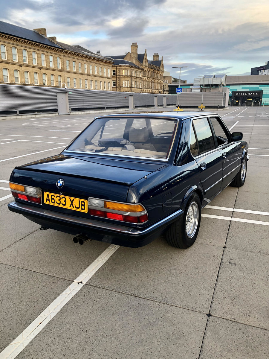 1983 BMW E28 525i manual Lapis Blue. For Sale (picture 2 of 6)