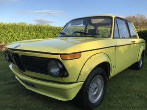 Picture of 1971 BMW 2002 tii golf yellow