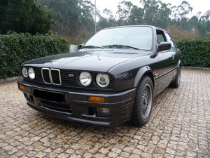 Picture of Rare BMW E30 320iS 1990 in Mint condition