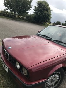 BMW E30 - much loved and recent MOT