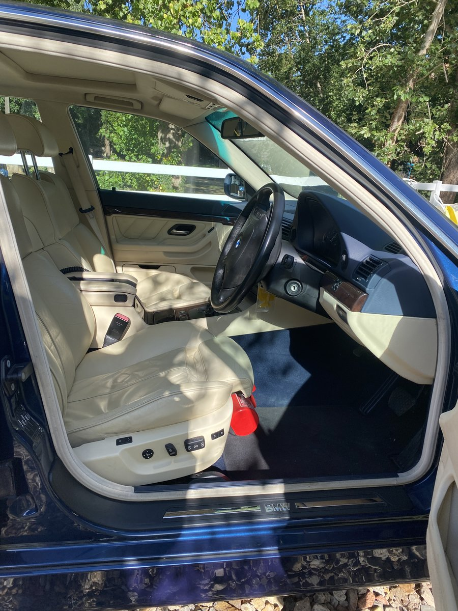 2000 BMW 740i Facelift individual Interior VERY CLEAN For Sale (picture 3 of 5)