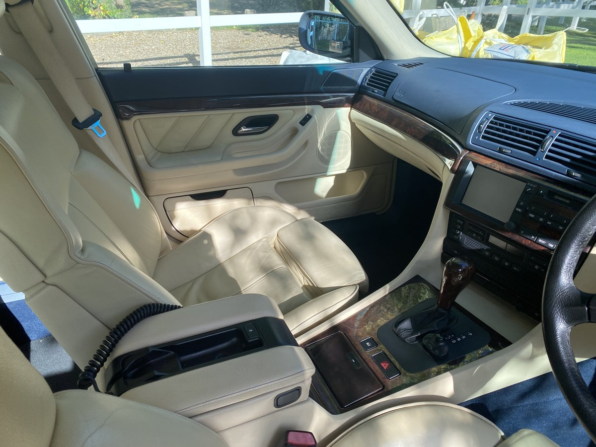 2000 BMW 740i Facelift individual Interior VERY CLEAN For Sale (picture 4 of 5)