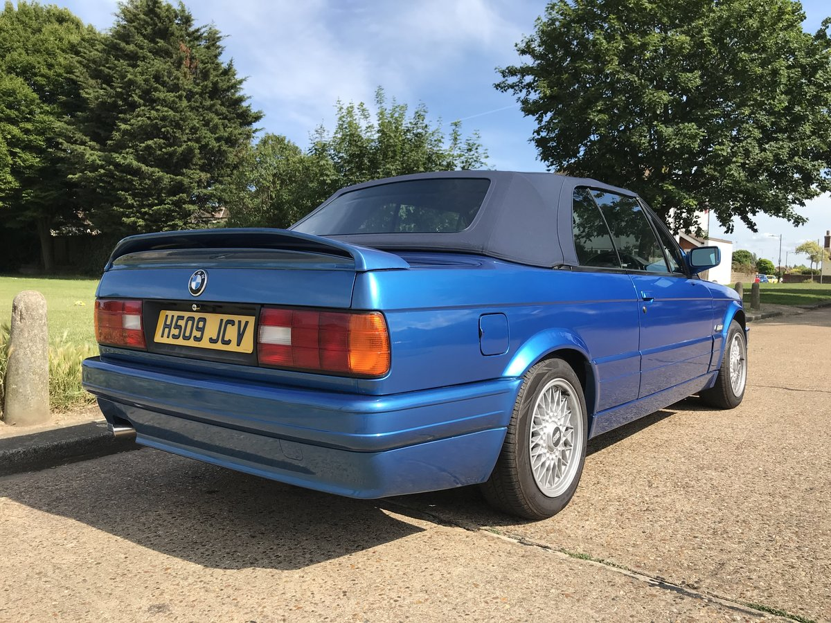 1991 BMW E30 318i M TECH 2 Manual Design Edition For Sale (picture 2 of 6)