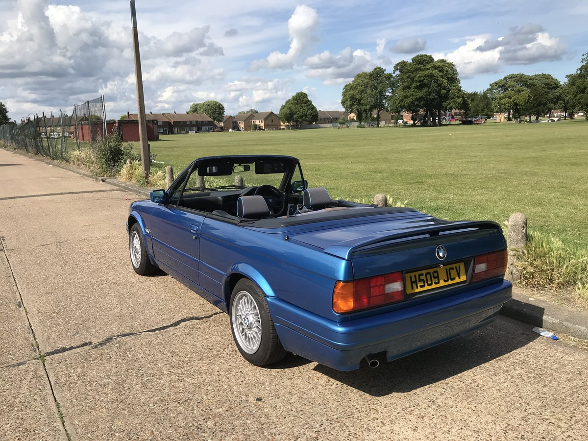 1991 BMW E30 318i M TECH 2 Manual Design Edition For Sale (picture 4 of 6)