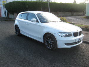 2011 11-reg BMW 118 2.0d Sport 5Dr manual finished in white