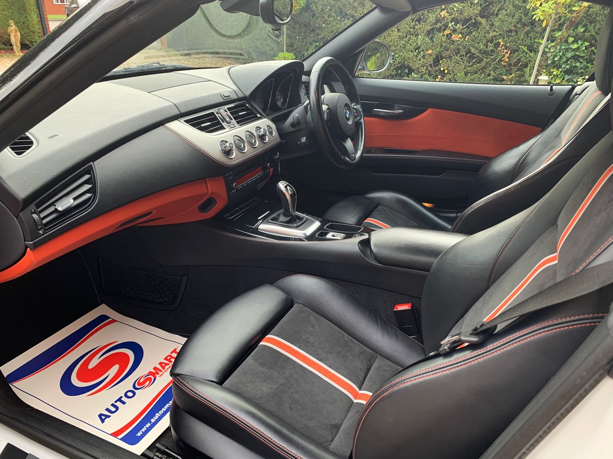 2013 BMW Z4 sDrive35is (340-bhp) 35i 6 cylinder a rare car For Sale (picture 5 of 6)