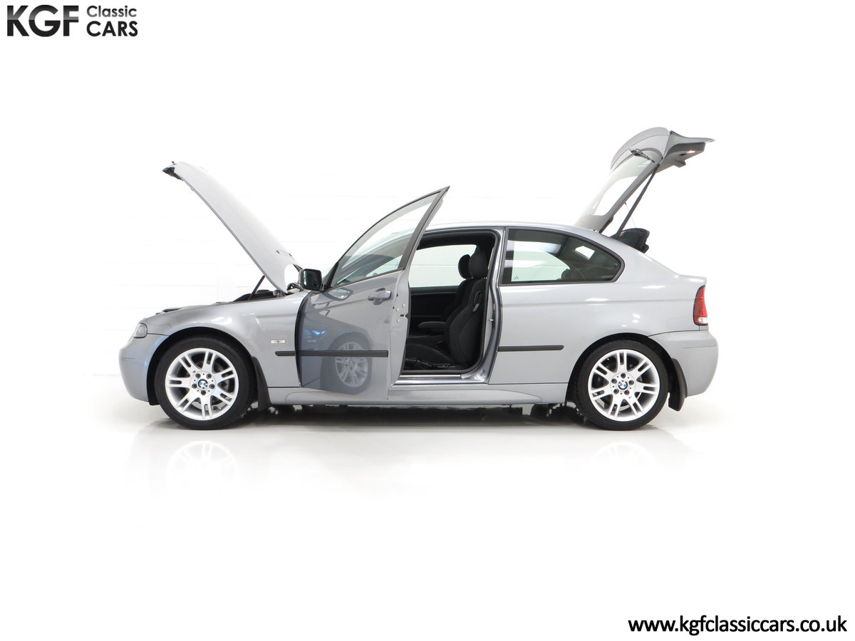 2004 A Superb BMW E46 316Ti Sport Compact with Only 18,507 Miles For Sale (picture 7 of 24)