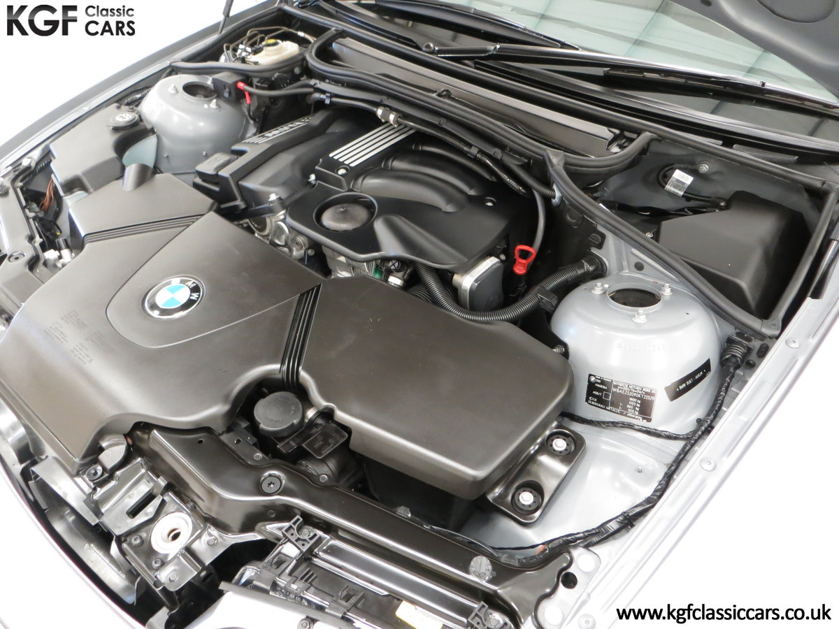 2004 A Superb BMW E46 316Ti Sport Compact with Only 18,507 Miles For Sale (picture 15 of 24)