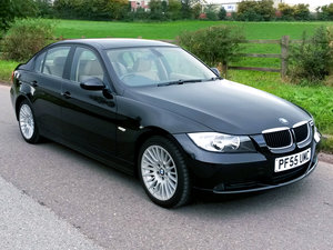 Picture of 2005 BMW 320i SE // ONLY 35000 MILES // JUST 1 OWNER