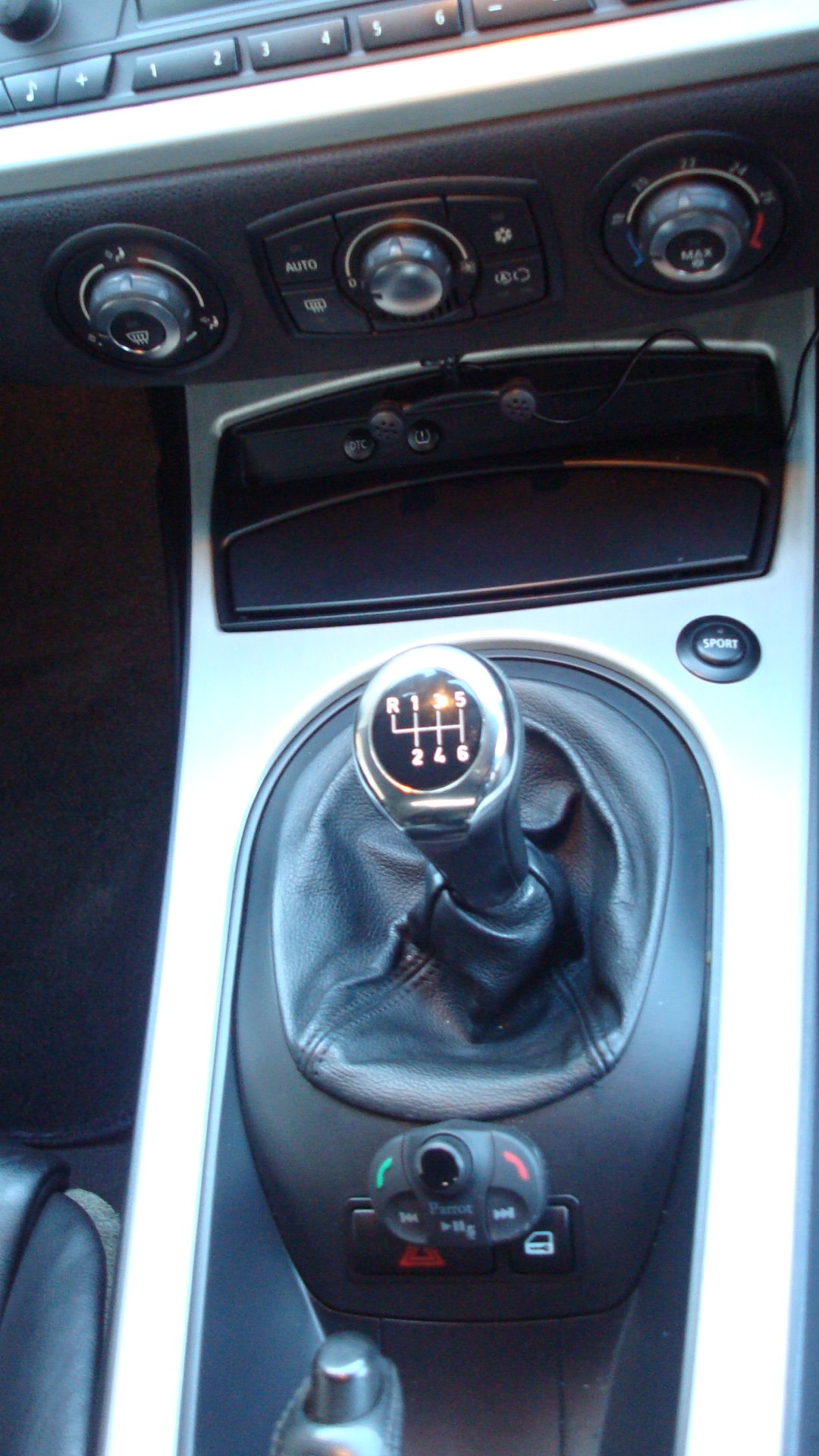 BMW Z4 3.0si Sport Coupe (Manual gearbox) 2006-56 For Sale (picture 6 of 6)