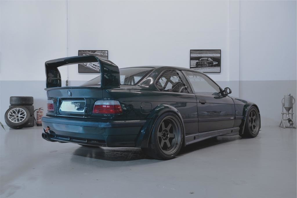 1997 BMW M3 GTR Original motorsport body. For Sale (picture 3 of 5)