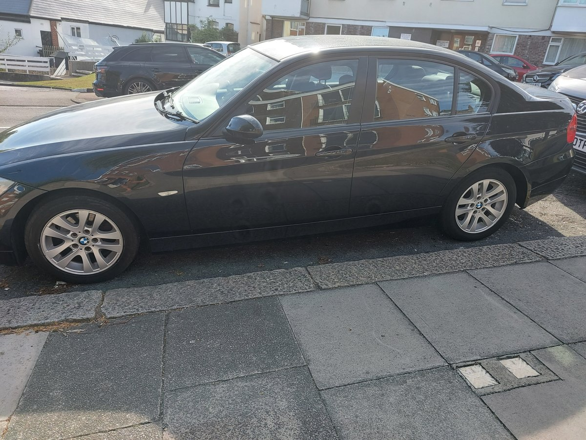 2006 BMW 318 petrol 6 speed manual,may swap for motorcy For Sale (picture 1 of 1)
