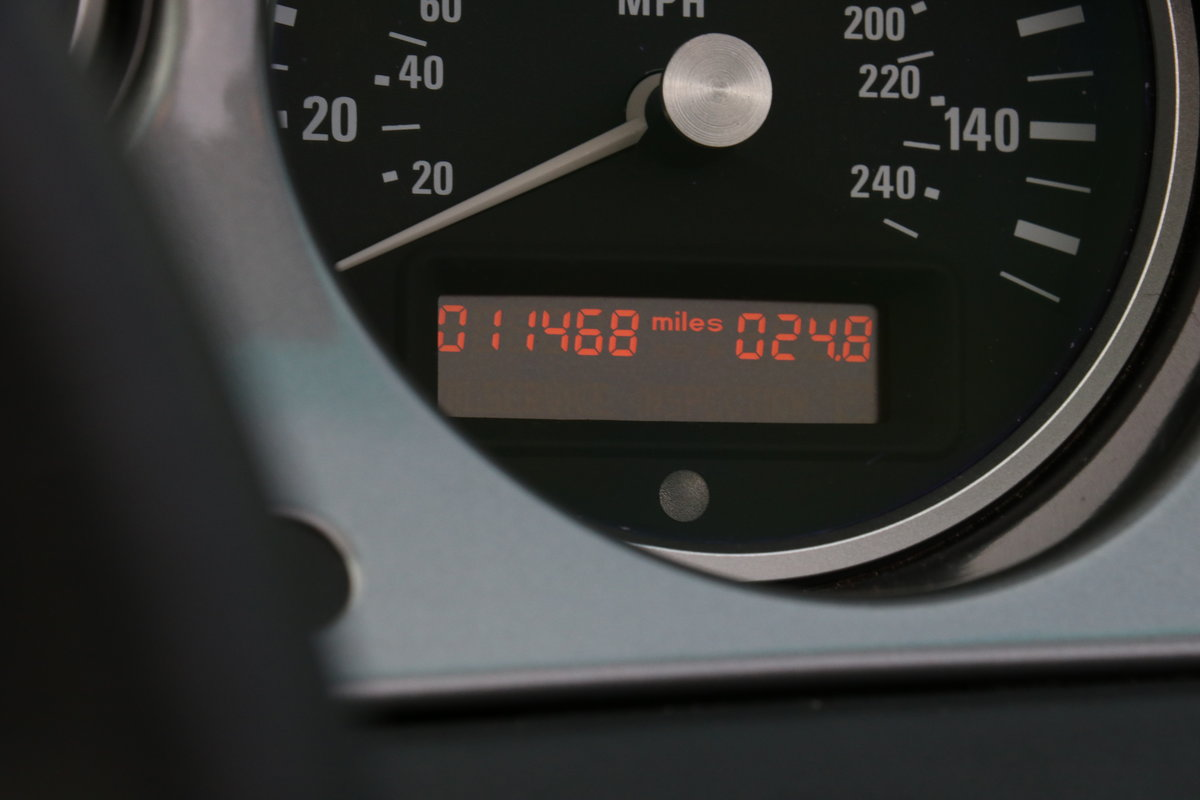 2000 BMW Z8 - UK Supplied With Just 11, 468 Miles! For Sale (picture 10 of 12)