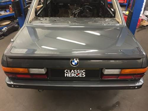 The E28 M5 needs no introduction... For Sale (picture 3 of 4)