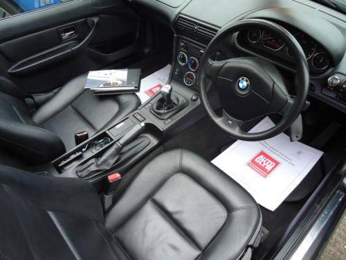 0303 EXTREMELY LOW MILEAGE BMW Z3 - 25,843 MILES ONLY For Sale (picture 4 of 6)