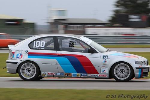 2002 BMWcup 2016 spec 325ti car for hire For Hire (picture 1 of 2)