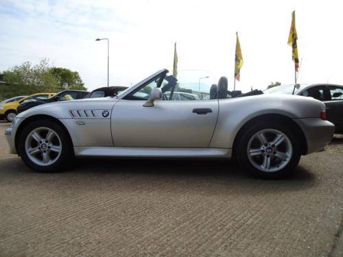 0151 Z3 1.9i ROADSTER IN TITAN SILVER WITH FULL BLACK LEATHER For Sale (picture 2 of 6)