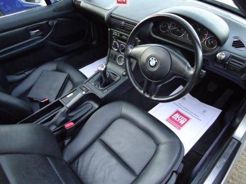 0151 Z3 1.9i ROADSTER IN TITAN SILVER WITH FULL BLACK LEATHER For Sale (picture 3 of 6)