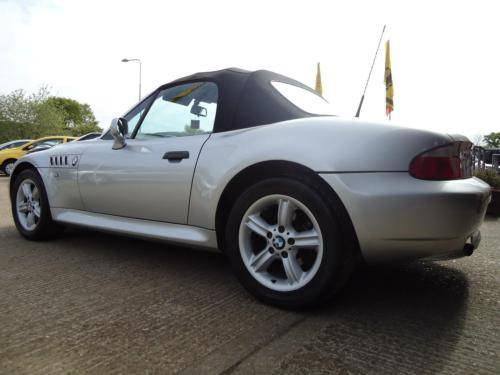 0151 Z3 1.9i ROADSTER IN TITAN SILVER WITH FULL BLACK LEATHER For Sale (picture 6 of 6)