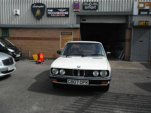 1986 E28 Pearlecent White The Only 1 in the Country For Sale (picture 1 of 6)