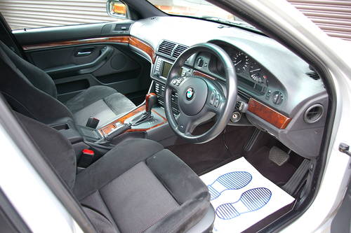 2003 BMW E39 525i M-Sport Automatic Touring (43,954 miles) SOLD (picture 4 of 6)
