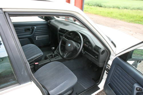1989 BMW 316i  SOLD (picture 2 of 6)