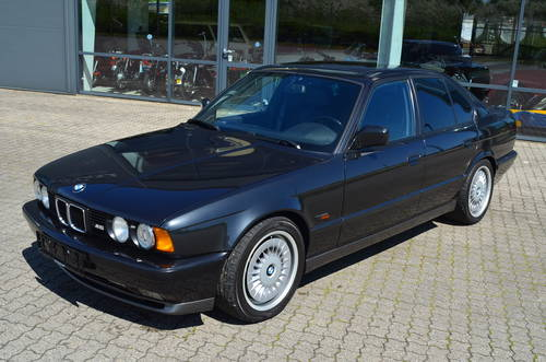 1993 BMW M5 3,5  SOLD (picture 1 of 6)
