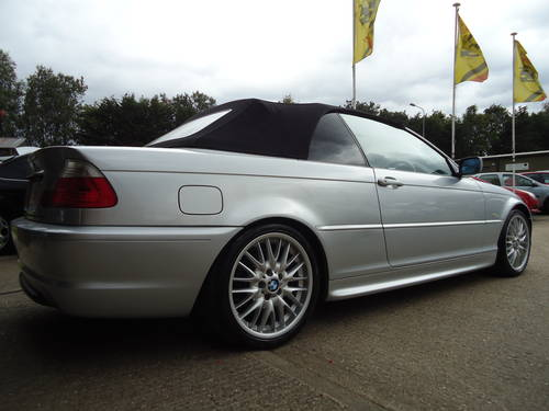 0303 PRE FACELIFT 320Ci SPORT CONVERTIBLE WITH HARDTOP For Sale (picture 1 of 6)