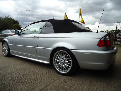 0303 PRE FACELIFT 320Ci SPORT CONVERTIBLE WITH HARDTOP For Sale (picture 2 of 6)
