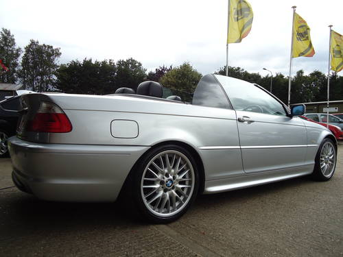 0303 PRE FACELIFT 320Ci SPORT CONVERTIBLE WITH HARDTOP For Sale (picture 3 of 6)