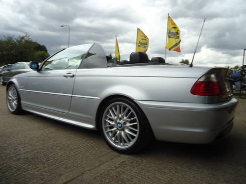 0303 PRE FACELIFT 320Ci SPORT CONVERTIBLE WITH HARDTOP For Sale (picture 4 of 6)