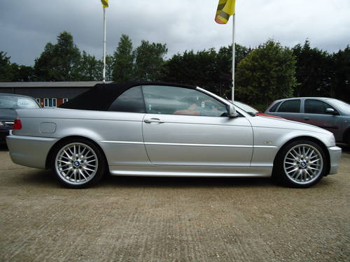 0303 PRE FACELIFT 320Ci SPORT CONVERTIBLE WITH HARDTOP For Sale (picture 5 of 6)