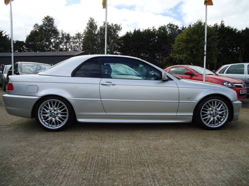 0303 PRE FACELIFT 320Ci SPORT CONVERTIBLE WITH HARDTOP For Sale (picture 6 of 6)